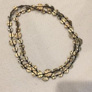 Jewelry - Gold floral necklace